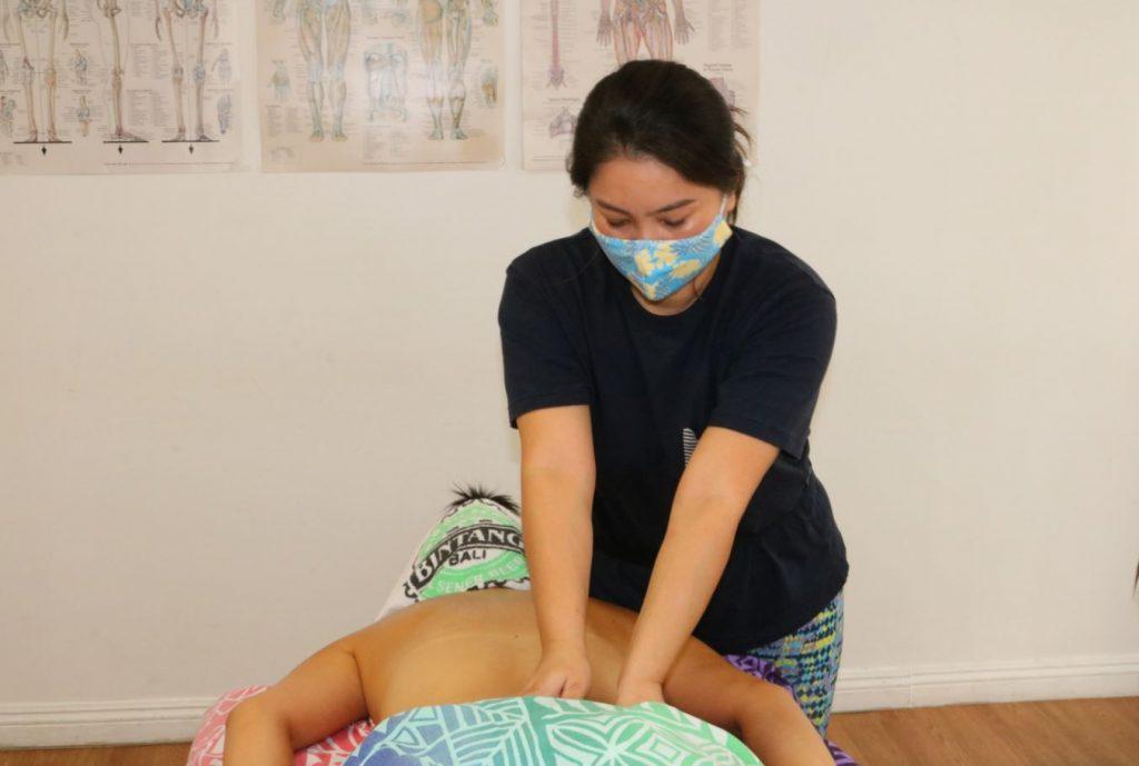 アジアで活躍できるロミロミセラピスト目指して頑張ります!